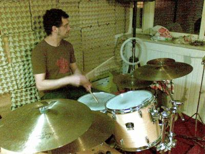 Rël on drums